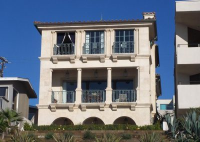 Manhattan beach residence south elevation